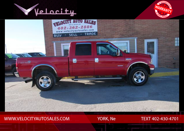 Used 2005 Ford F350 Super Duty Crew Cab Lariat Pickup 4D 6 3/4 ft