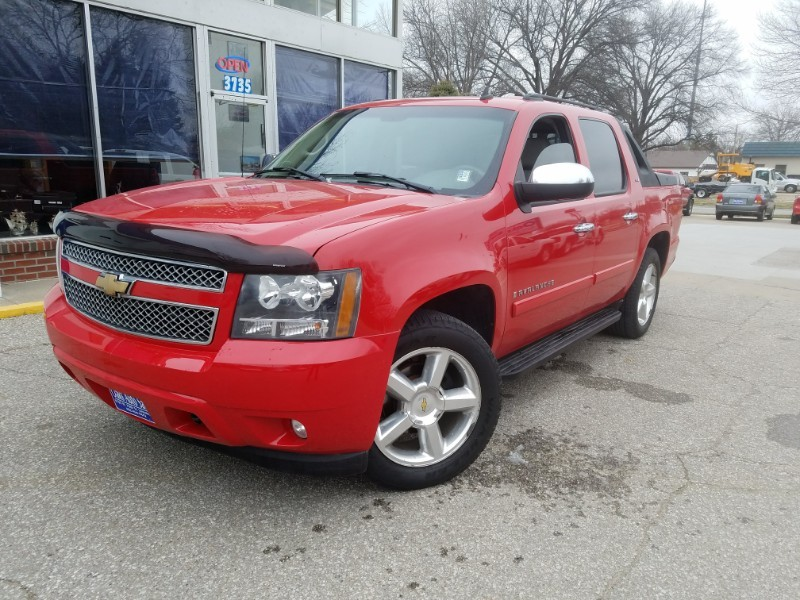 Come Take A Look At This Extra Sharp 2008 Chevy Avalanche Ltz Loaded Up Nicely With Leather Sunroof Windows Locks Cruise 20 Alloy Wheels
