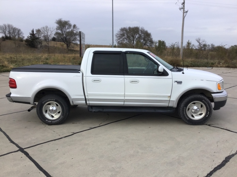Used 2001 Ford F-150 SuperCrew Lariat