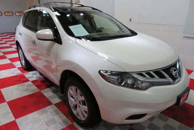 Have You Been Looking For That Cute Smaller Suv That Can Fit The Family And  Still Get Great Gas Mileage? Look No More, We Have This Here 2014 Nissan  Murano ...
