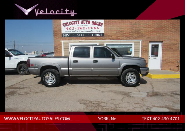 Used 2006 Chevrolet Silverado 1500 Crew Cab LT Pickup 4D 5 3/4 ft