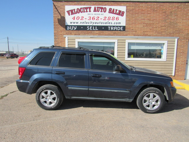Used 2009 Jeep Grand Cherokee 4WD 4dr Laredo