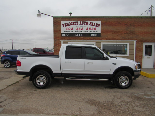 Used 2001 Ford F-150 SuperCrew Crew Cab 139 XLT 4WD
