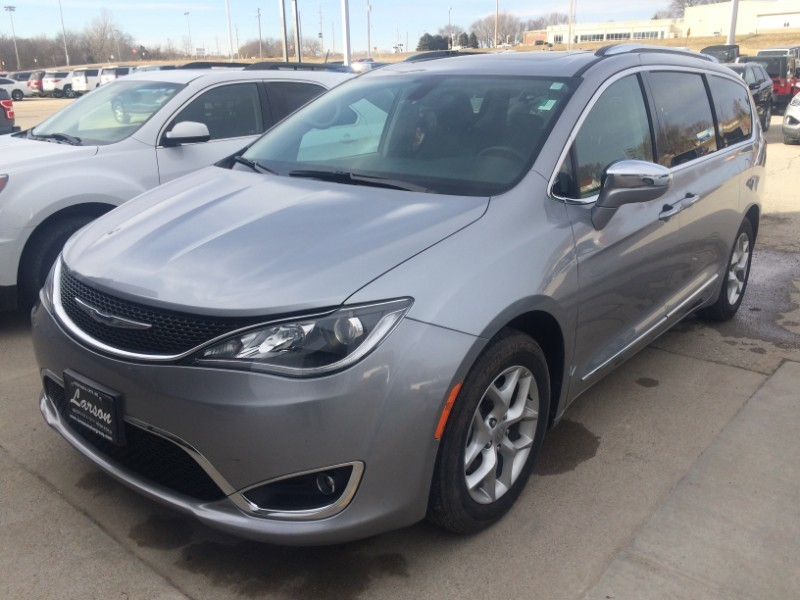 Used 2019 Chrysler Pacifica Limited