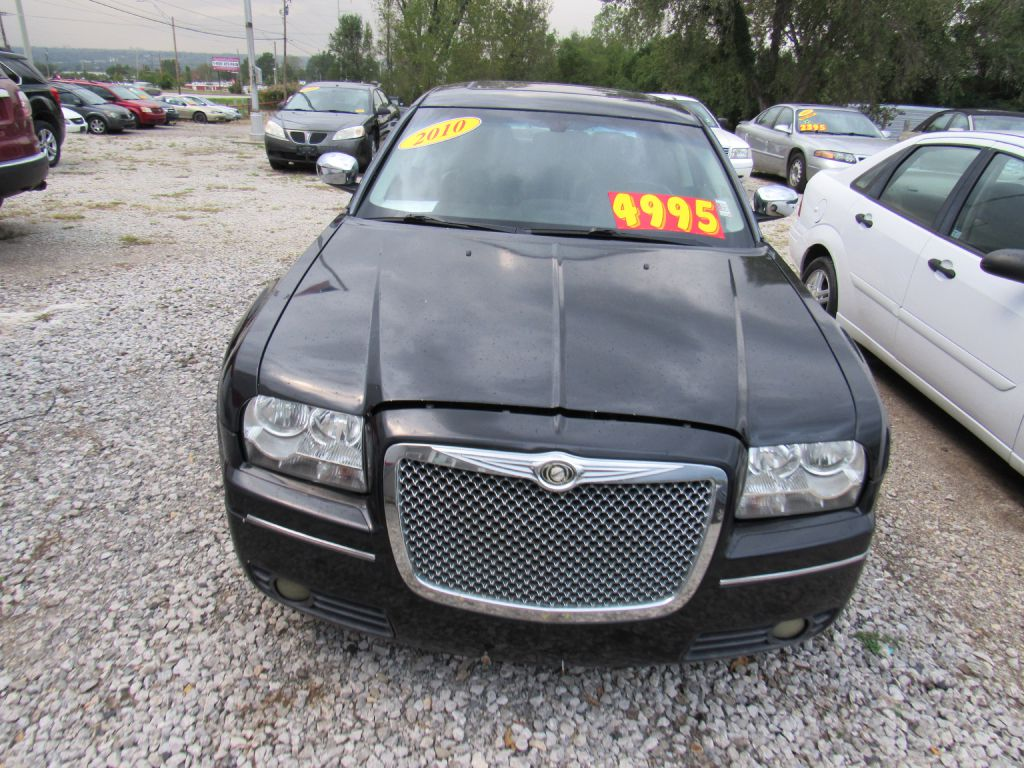 Used 2010 Chrysler 300 TOURING