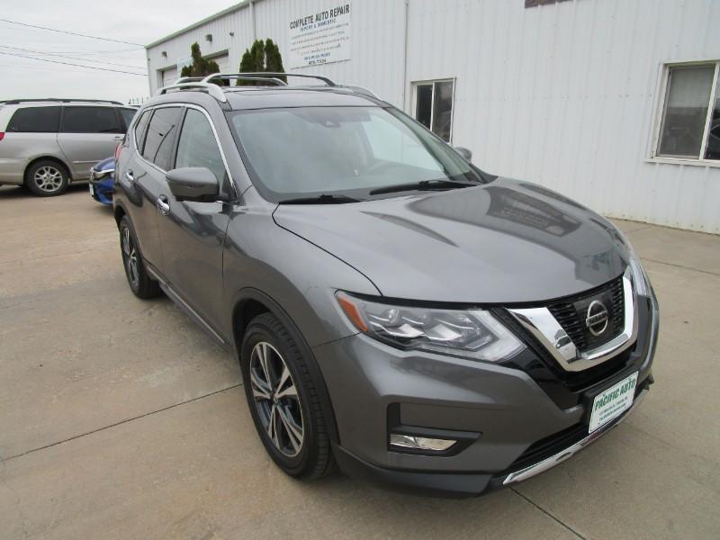 Used 2017 Nissan Rogue SL
